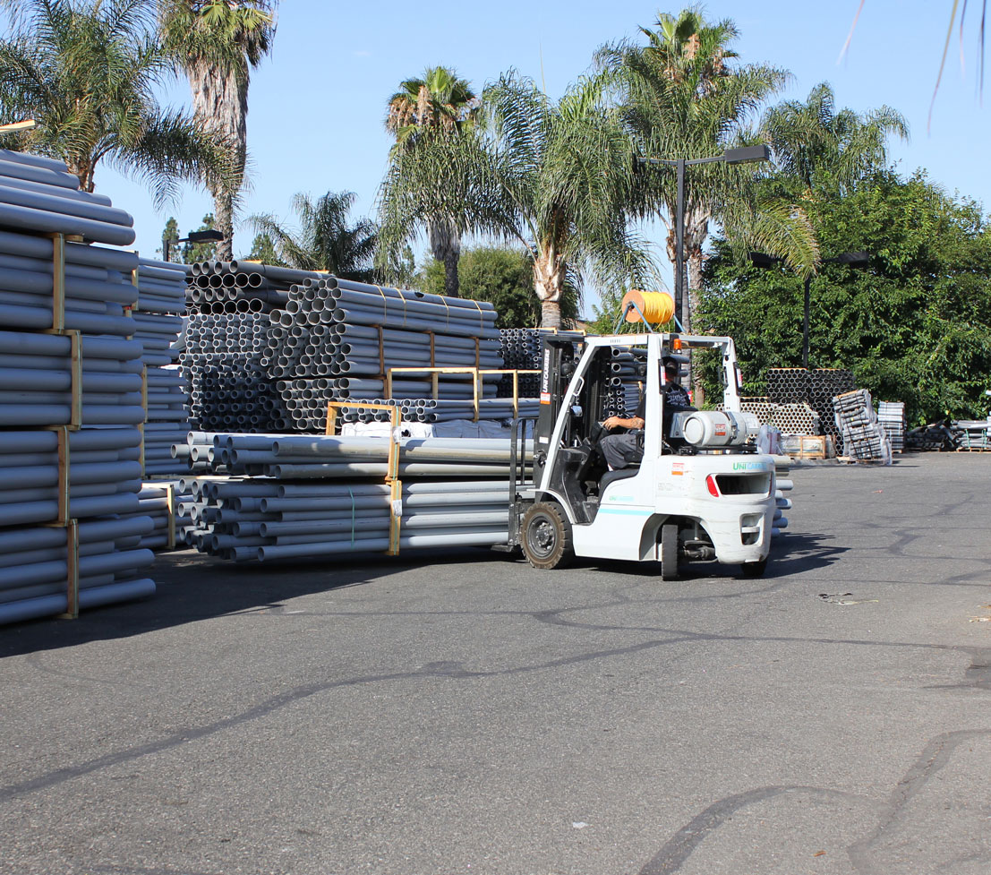 propane forklifts moving inventory