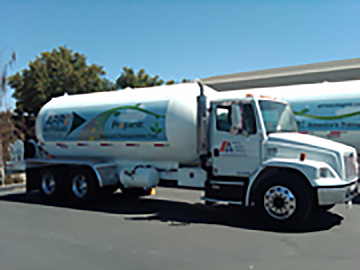 Picture of a bobtail truck with ARRO Autogas decals.